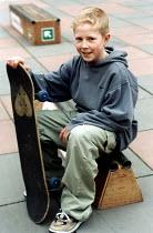 Skateboarder Bristol - Paul Box - 2000s,2002,adolescence,adolescent,adolescents,EXTREME,lfl Leisure,people,person,persons,skateboard,skateboarder,skateboarders,skateboarding,SKATEBOARDS,SPO sport,sports,teen,teenage,teenager,teenagers