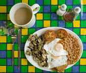 A English breakfast. - Paul Box - 2000s,2005,and,baked,bean,beans,beverage,beverages,big,breakfast,breakfasts,brown,browns,cooked,cup,cups,egg,eggs,English,folk,food,foods,full,hash,hashed,knift,landscape,landscapes,LFL Lifestyle,mug,