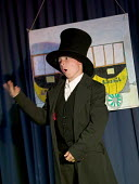 School play Brunel 200, celebrating Brunel's bicentenary. At Elmfield School for Deaf Children, Bristol. - Paul Box - 13-07-2006