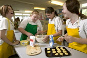 Home Economics class, at Clevedon Community School. - Paul Box - 08-07-2006
