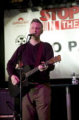 Billy Bragg, a musician and singer performing at the Carling Academy Birmingham. Bragg is best known for his political protest songs. - Paul Box - 2000s,2006,academies,Academy,ace culture entertainment,activist,activists,amicus,Anti Fascist,Anti Racism,banner,banners,bigotry,Birmingham,BNP,British National Party,CAMPAIGN,campaigner,campaigners,C