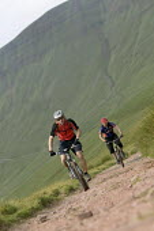 Mountain bikers in Pen Y Fan, Wales. - Paul Box - 03-07-2006