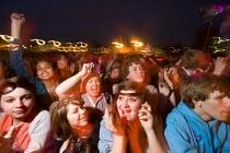 Crowds at the Bristol Harbour Festival. - Paul Box - 2000s,2009,ACE,adolescence,adolescent,adolescents,audience,AUDIENCES,band,bands,boy,boys,Bristol,child,CHILDHOOD,children,cities,City,concert,concerts,Council,cultural,culture,DOCK,docks,entertainment