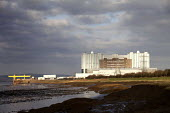 Oldbury nuclear power station, a closed a nuclear power station on the edge of the River Seven estuary in South Gloucestershire. It is operated by Magnox Ltd on behalf of the Nuclear Decommissioning A... - Paul Box - 15-01-2012