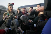 1st Battalion The Black Watch (Royal Highland Regiment) (1 BW) arrive back at base on December 11, 2004 at the Battlesbury Barracks, Warminster, England. The troops had served in the Iraq war and had... - Paul Box - 11-12-2004