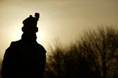 A Soldier's profile at sunrise. The 1st Battalion The Black Watch (Royal Highland Regiment) (1 BW) arrive back to their base on December 11, 2004 at the Battlesbury Barracks, Warminster, England. The... - Paul Box - 11-12-2004