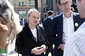 Natalie bennett the leader of The Green Party and Darren Hall Bristol west candidate, talks to doctors outside The Bristol Royal Infirmary, Emergency department, main entrance, Bristol. - Paul Box - 20-04-2015