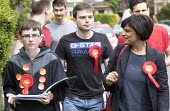 Thangam Debbonaire with young Labour supporters canvas in the ward of West Bristol for the labour candidate Thangam Debbonaire. This is a very closely fought seat. - Paul Box - 04-05-2015