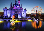 Dismaland a parody of Disneyland theme park by Banksy, Weston Super Mare. Mermaid and Cinderella fairytale castle castle at the Bemusement Park. - Paul Box - 27-08-2015