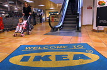Ikea home furnishing store , entrance welcome mat - Paul Box - 05-05-2004