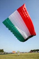 International kite festival, Bristol. The worlds largest kite . In kuwait flag design. - Paul Box - 05-09-2004