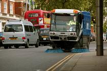 Street cleaning vehicle Kensington, London - Paul Box - 07-07-2004