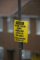 Police warning signs to deter burglary, Bristol. - Paul Box - 20-03-2005