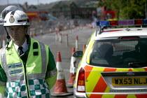 Ambulance incident commander at a gas leak incident in bristol - Paul Box - 25-04-2005