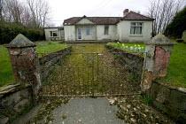 Welsh village, derelict home. - Paul Box - 20-04-2005