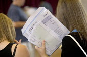 Clevedon school, pupils getting their GCSE results. - Paul Box - 25-08-2005