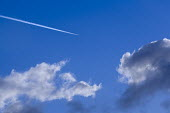 Airplane vapour trails. - Paul Box - 05-12-2005