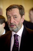 David Blunkett at a business meeting. - Paul Box - 2000s,2005,blind,business,disabilities,disability,disable,disabled,disablement,eyesight,eyesite,impairment,incapacity,Labour Party,male,man,minorities,needs,people,person,persons,POL Politics,sight,so