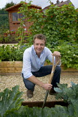 Chris Beardshaw award winning gardiner and tv presenter on a new allotment project . Bristol - Paul Box - 15-12-2005