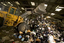 South London, Waste disposal centre. - Paul Box - 15-12-2005