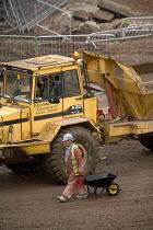 Construction work on the rebuilding of Bristol city centre. - Paul Box - 01-04-2006