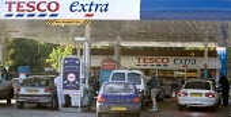 Tesco extra. Tesco petrol station. - Paul Box - 04-06-2006