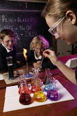 Pupils in a chemistry lesson, Clevedon community school. - Paul Box - 10-05-2006