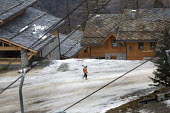 Sainte Foy ski resort, near Val dIsere and Tignes in the French Alps. With unseasonably warm temperatures the snow has been melting, leaving mud and rocks showing on the pistes. - Paul Box - 2000s,2007,bare,Chalet,Chalets,Climate Change,conditions,depth,EBF Economy,empty,ENI Environmental issues,eu,Europe,european,europeans,french,Glacier,glaciers,Global Warming,holiday,holiday maker,holi