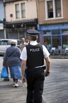 Policeman walking the beat in Bristol. - Paul Box - 20-04-2007