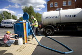 Gloucester, A water Truck fills a water bowser to supply drinking water to citizens that have no water supply due to the flooded water works plant in Tewkesbury. This water needs boiling before drinki... - Paul Box - 29-07-2007