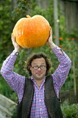 Hugh Fearnley-Whittingstall of River Cottage HQ, Dorset. - Paul Box - ,2000s,2005,ace culture entertainment,AGRICULTURAL,agriculture,back-to-nature,BROADCAST,broadcasting,carries,carry,carrying,Celebrities,celebrity,chef,chefs,communicating,communication,cook,cooks,Cott