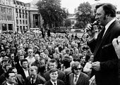 Vic Turner speaking to a mass meeting of dockers - Peter Arkell - ,1970s,1972,anti union law,anti union laws,anti union legislation,at,disputes,Docks Labour Scheme,INDUSTRIAL DISPUTE,Industrial Relations Act 1971,law,laws,mass,mass meeting mass meetings,meeting,MEET