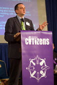 Green Party candidate Darren Johnson speaks at the London Citizens Mayoral Accountability Assembly in Central Hall, Westminster. - Philip Wolmuth - 04-05-2004