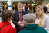 Liberal Democrat leader Charles Kennedy electioneering in Hartlepool with candidate Jody Dunn. - Philip Wolmuth - 2000s,2004,by election,campaign,campaigning,CAMPAIGNS,candidate,CANDIDATES,DEMOCRACY,democrat,Democrats,election,elections,electorate,FEMALE,leader,liberal,liberals,mp,mps,party,people,person,persons,