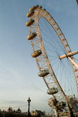 The London Eye, on the South Bank. - Philip Wolmuth - 11-11-2004