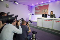 Gordon Brown, Harriet Harman, Labour Party election campaign press conference, London. - Philip Wolmuth - 23-04-2010