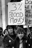 Nurses at St.Mary's Hospital, London, demonstrate on a national Day of Action against NHS cuts and low pay. - Philip Wolmuth - 03-02-1988