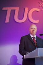 Steve Gillan, POA TUC Congress 2011 London. - Philip Wolmuth - 12-09-2011