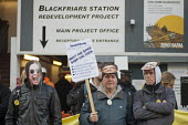 Electricians and supporters protest outside Blackfriars Station Redevelopment construction site to protest at plans by contractor Balfour Beatty to cut wages by 35 and leave the JIB national pay and c... - Philip Wolmuth - 2010s,2011,activist,activists,CAMPAIGN,campaigner,campaigners,CAMPAIGNING,CAMPAIGNS,contractor,contractors,DEMONSTRATING,DEMONSTRATION,DEMONSTRATIONS,developer,developers,DEVELOPMENT,DISPUTE,DISPUTES,