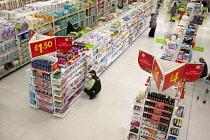 Asda supermarket, Clapham, London. - Philip Wolmuth - 28-11-2011