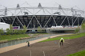 Hoeing, Landscaping work in the London 2012 Olympic Park. - Philip Wolmuth - 05-05-2012