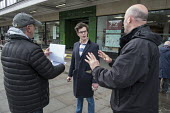 Conservative candidate Simon Marcus talks to a young supporter in Hampstead and Kilburn, the second most marginal constituency in the UK, held by Labour with a majority of 42 at the 2010 general elect... - Philip Wolmuth - 25-04-2015