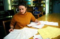 Research into outcomes of cancer research St Bartholomew's Bart's Hospital - Joanne O'Brien - 2000s,2002,cancer,CANCERS,care,disease,DISEASES,doctor,doctors,FEMALE,gene,genetic,genetics,HEA health,health,HEALTH SERVICES,healthcare,hospital,hospitals,ill,illness,ILLNESSES,job,jobs,LAB LBR work,