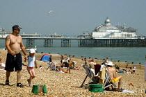 Eastbourne beach during a heatwave. - Joanne O'Brien - 20021024