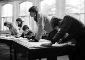 Summerhill School Students drawing in the life class in the art room, winter 1961, Leiston - Alan Vines - 1960s,1961,A.S.Neill,alternative,art,artist,artists,AS Neill,boy,BOYS,child,CHILDHOOD,children,class,co-educational,communicating,communication,concentration,conversation,conversations,debate,debating