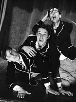 The Lyric Revue, Lyric Theatre, London, 1951. With actors Graham Payn, Ian Carmichael and Jeremy Hawk. - Elisabeth Chat and Inge Morath - 24-05-1951