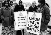 Picket line at the Grunwick dispute. - John Sturrock - 29-10-1976