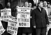 Yorkshire miners lobby NCB headquarters demanding early retirement, London, 1976. - John Sturrock - 23-11-1976