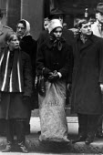 Sir Winston Churchill's Funeral. Opposite St Paul's Cathedral, in very cold weather, crowds gather to show their respect. - Michael Taylor - 30-01-1965