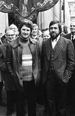 Protest in support of the Shrewsbury Two, Des Warren & Ricky Tomlinson, outside the High Court. - Mike Tomlinson - 1970s,1974,activist,activists,against,CAMPAIGN,campaigner,campaigners,CAMPAIGNING,CAMPAIGNS,DEMONSTRATING,demonstration,DEMONSTRATIONS,martyr,martyrs,member,member members,members,outside,people,Prote